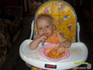 Когда можно ребенка сажать в стульчик для кормления