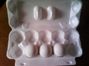 Можно ли кормящей маме кушать яйца