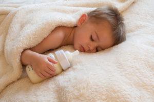 Как отучить от ночных кормлений годовалого ребенка