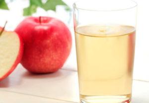 Можно ли кормящей маме яблочный сок в первый месяц