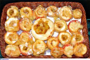 Запеченные яблоки в духовке для кормящей мамы