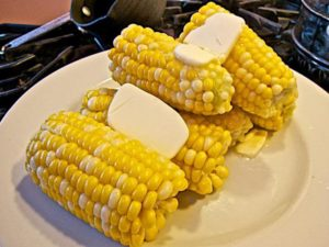 Можно ли кормящей маме кукурузу