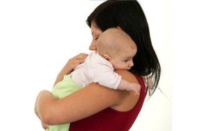 Как правильно держать ребенка после кормления столбиком