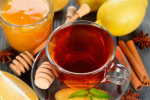 Можно ли кормящей маме чай с лимоном