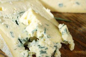 Можно ли кормящей маме плавленный сыр