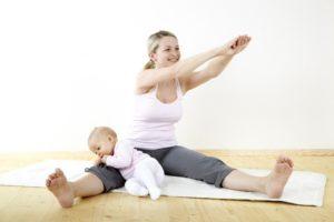 Когда можно начинать заниматься спортом после родов кормящей маме