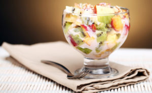 Фруктовый салат рецепт с йогуртом для детей