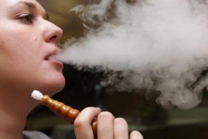 Можно ли кормящей маме курить кальян