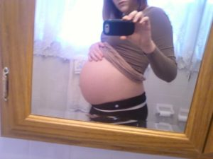 39 неделя беременности каменеет живот