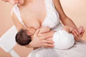 Как убрать молоко у кормящей мамы если перестал кормить