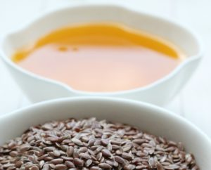 Можно ли кормящей маме льняное масло