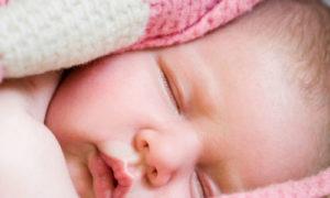 Потеет при кормлении голова у ребенка