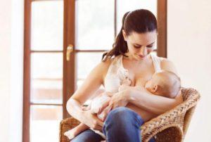 Грудь кормящей мамы
