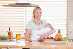 Можно ли кормящим мамам ревень